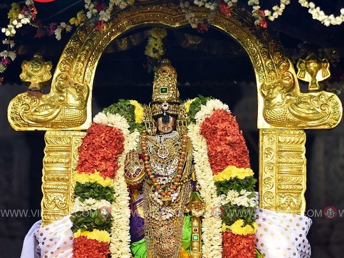 பெருமைமிகு வைகுண்ட ஏகாதசி அன்று பெருமாளை வழிபடுவது எப்படி? #Video