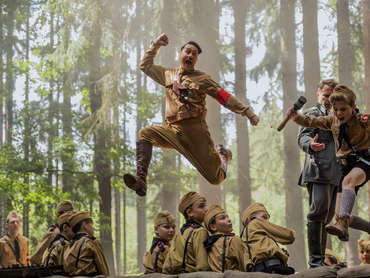 `நாங்களும் மனிதர்கள்தான்; ஆனாமூளை இருக்கு!' - `Heil Hitler'-ஐபகடிசெய்த`ஜோஜோ ரேபிட்'
