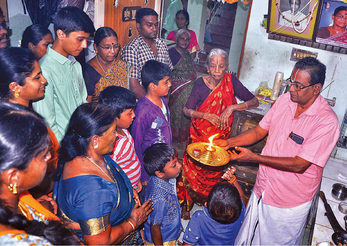 இரண்டாவது மகன்   தங்கராஜூடன் நாச்சியார்