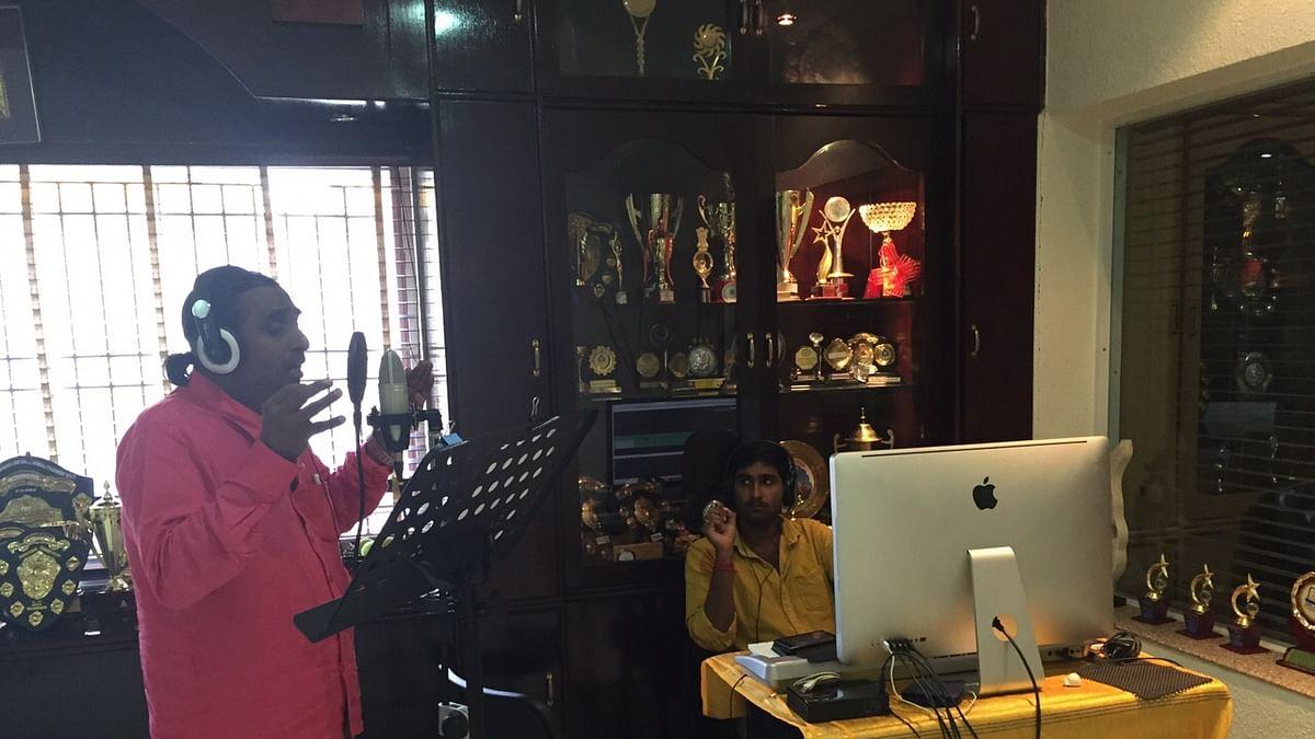 மகன் ராம் கிரணுடன் தினா