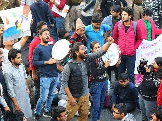 ஜே.என்.யூ மாணவர்கள் போராட்டத்தை நாடு முழுவதும் மற்ற மாணவர்கள் ஆதரிப்பது ஏன்? #JNUProtest