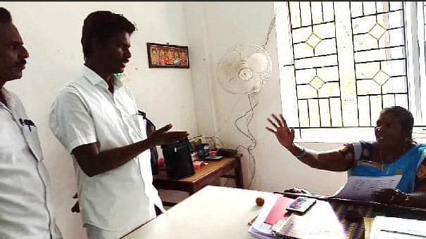 பி.டி.ஓ மங்கையற்கரசி வாக்குவாதம்