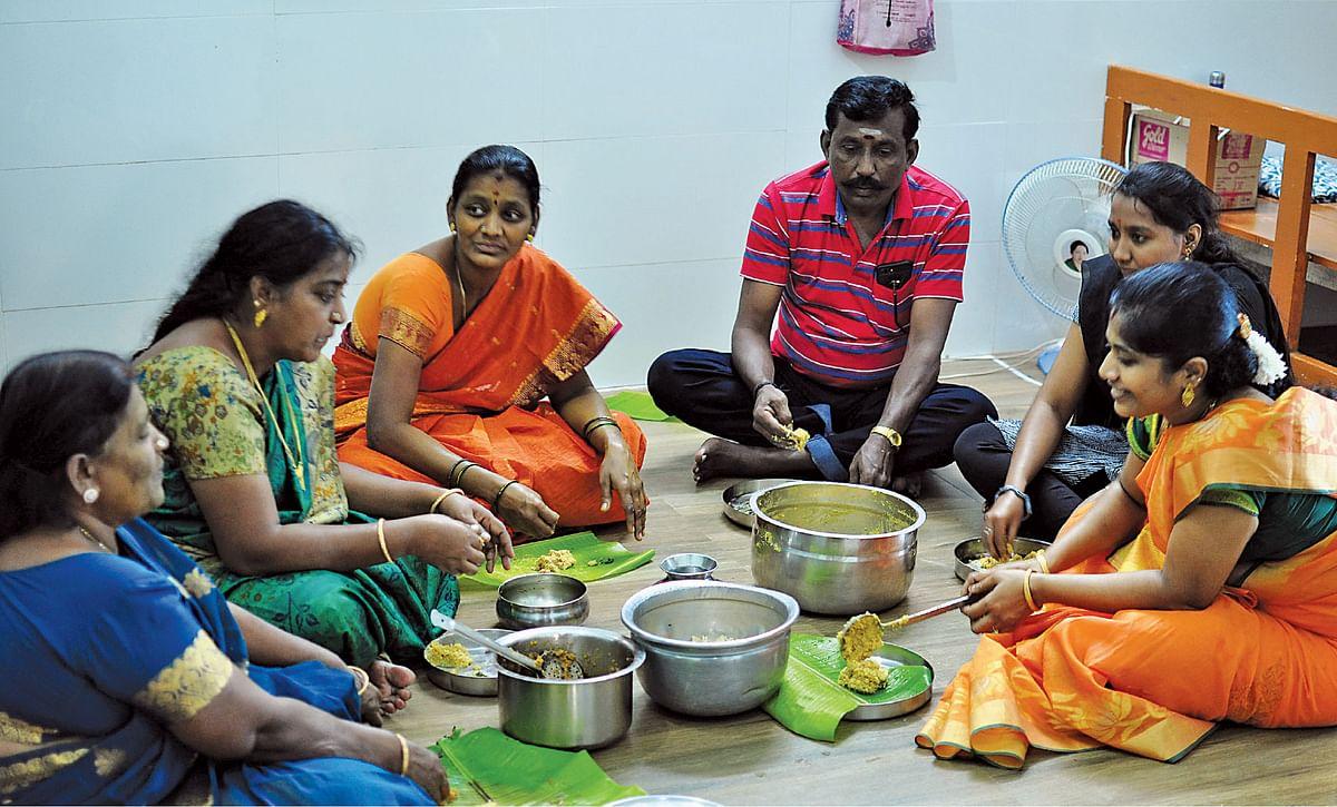 ஷோபா, ஜெயலட்சுமி, வசந்தா, கஸ்தூரி, ஆர்த்தி, இந்திராணி