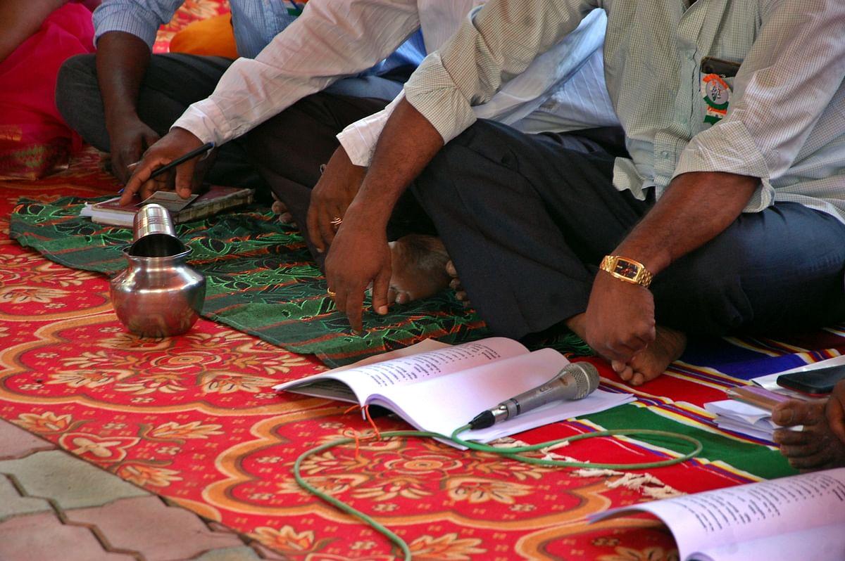 கிராமசபா கூட்டத்தில் இடம்பெறும் செம்பு நீர்.