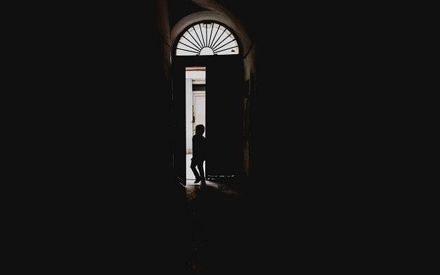 `என் குழந்தைகள்கிட்ட  சொல்வேன்; கலங்கிய கணவர்!'- கூட்டு பாலியல் வன்கொடுமை வழக்கில் மூவருக்கு தூக்கு