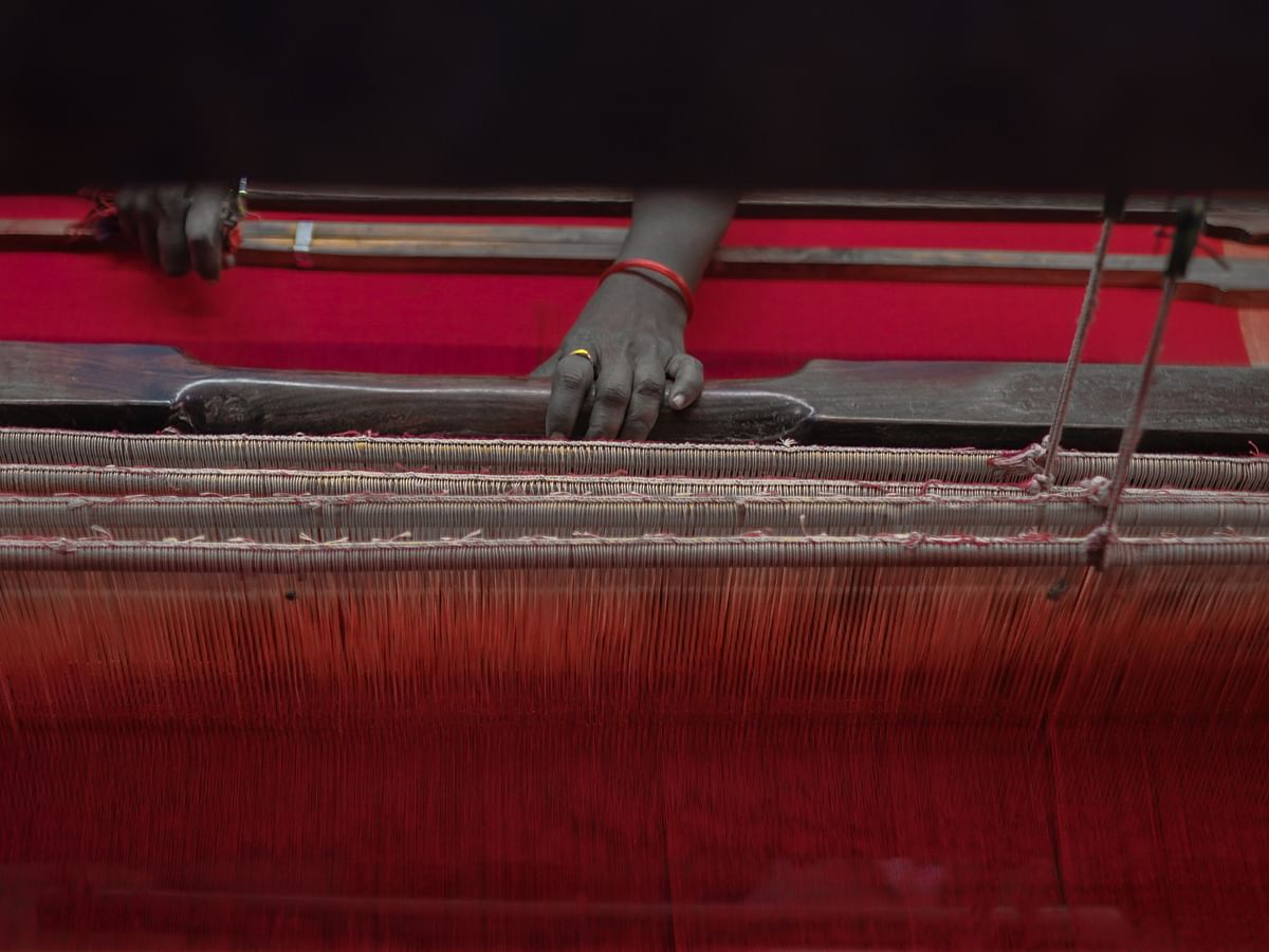 நூல் டு சேலை... கைத்தறியில் துணி நெய்வது எப்படி... #PhotoStory