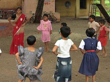 தொடக்கக் கல்வியில் அரசியலமைப்புப் பாடம் - மகாராஷ்டிராவில் ஒரு கல்விப் புரட்சி! #Mulyavardhan