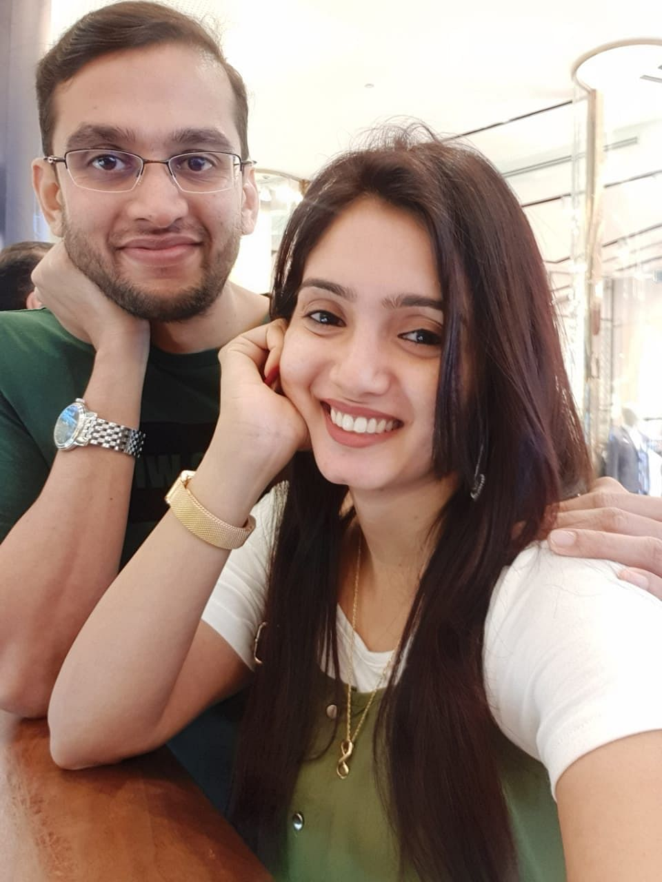 serial actress srithika and her husband