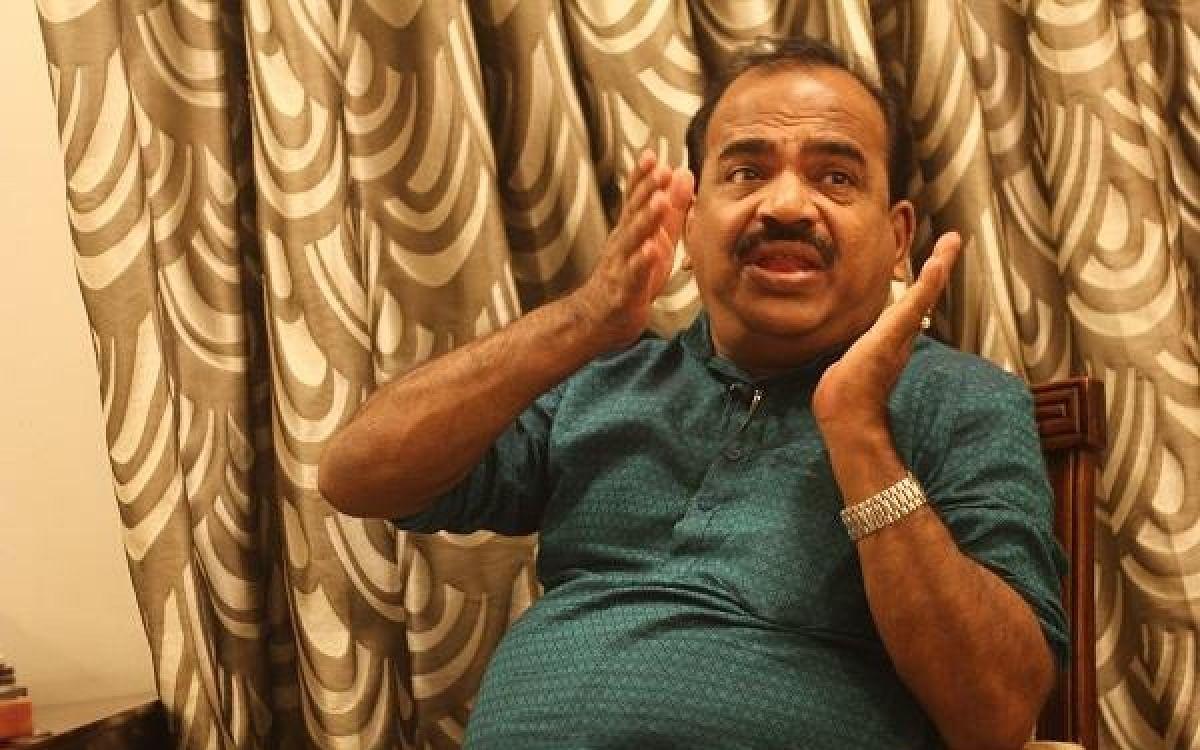 `கிரண்பேடி vs நாஞ்சில் சம்பத்' - இது புதுச்சேரி கலாட்டா!