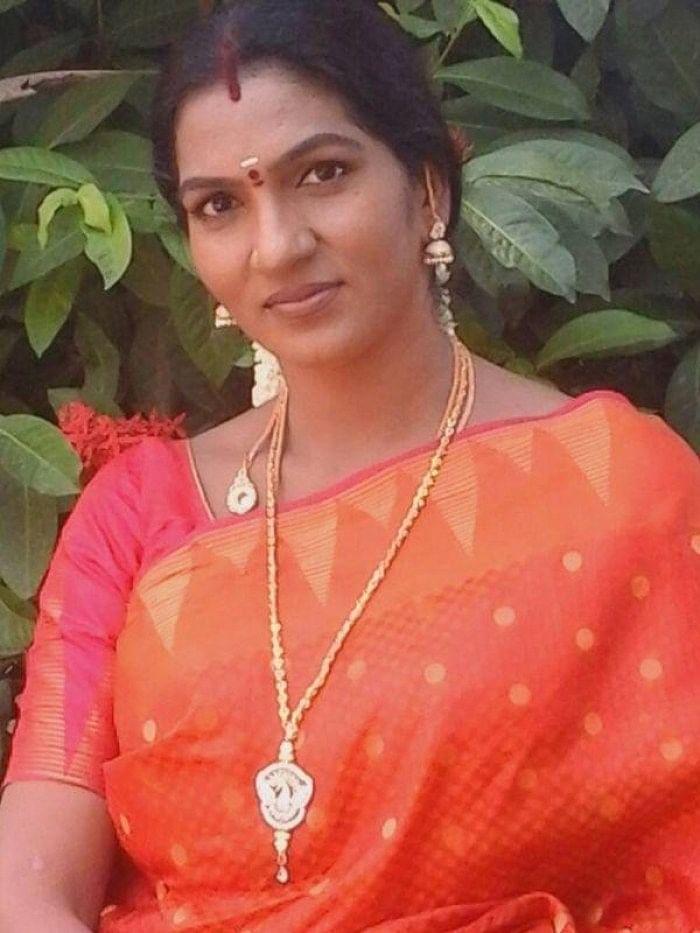 மெட்டி ஒலி சாந்தி