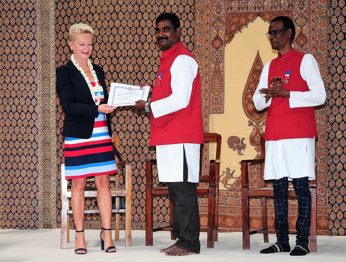 விருது பெறும் மகேஷ் மணி