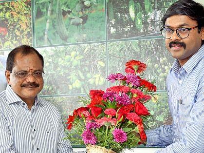 மாவட்ட ஆட்சியர் கார்த்திகேயன்