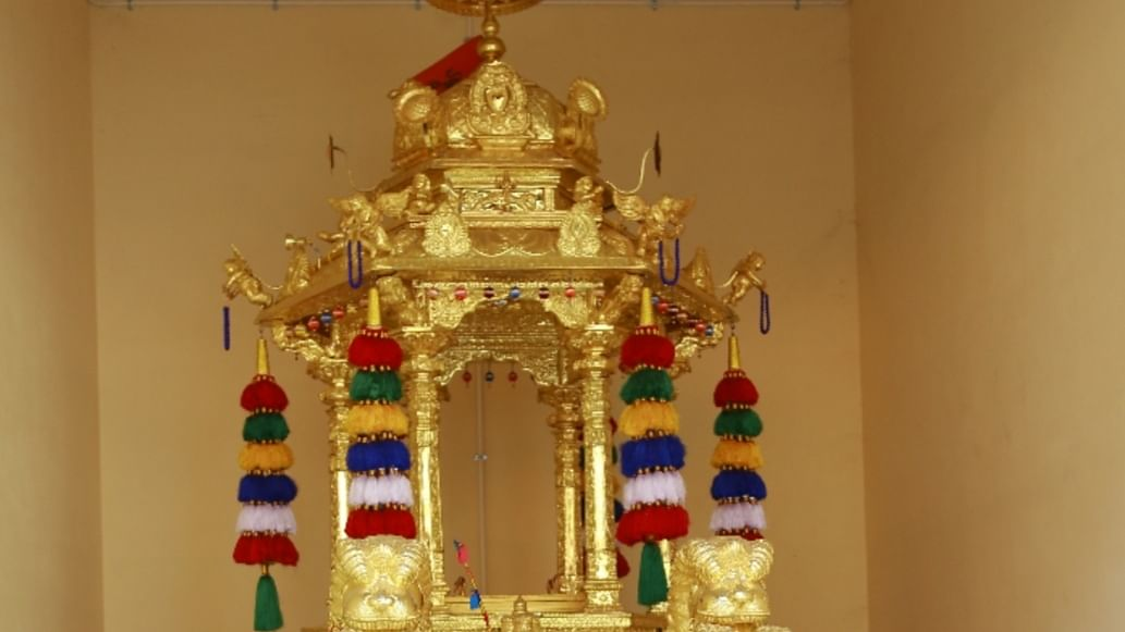 மண்டைக்காடு கோயிலுக்கு பொன்.ராதாகிருஷ்ணன் வழங்கிய தங்கத்தேர்
