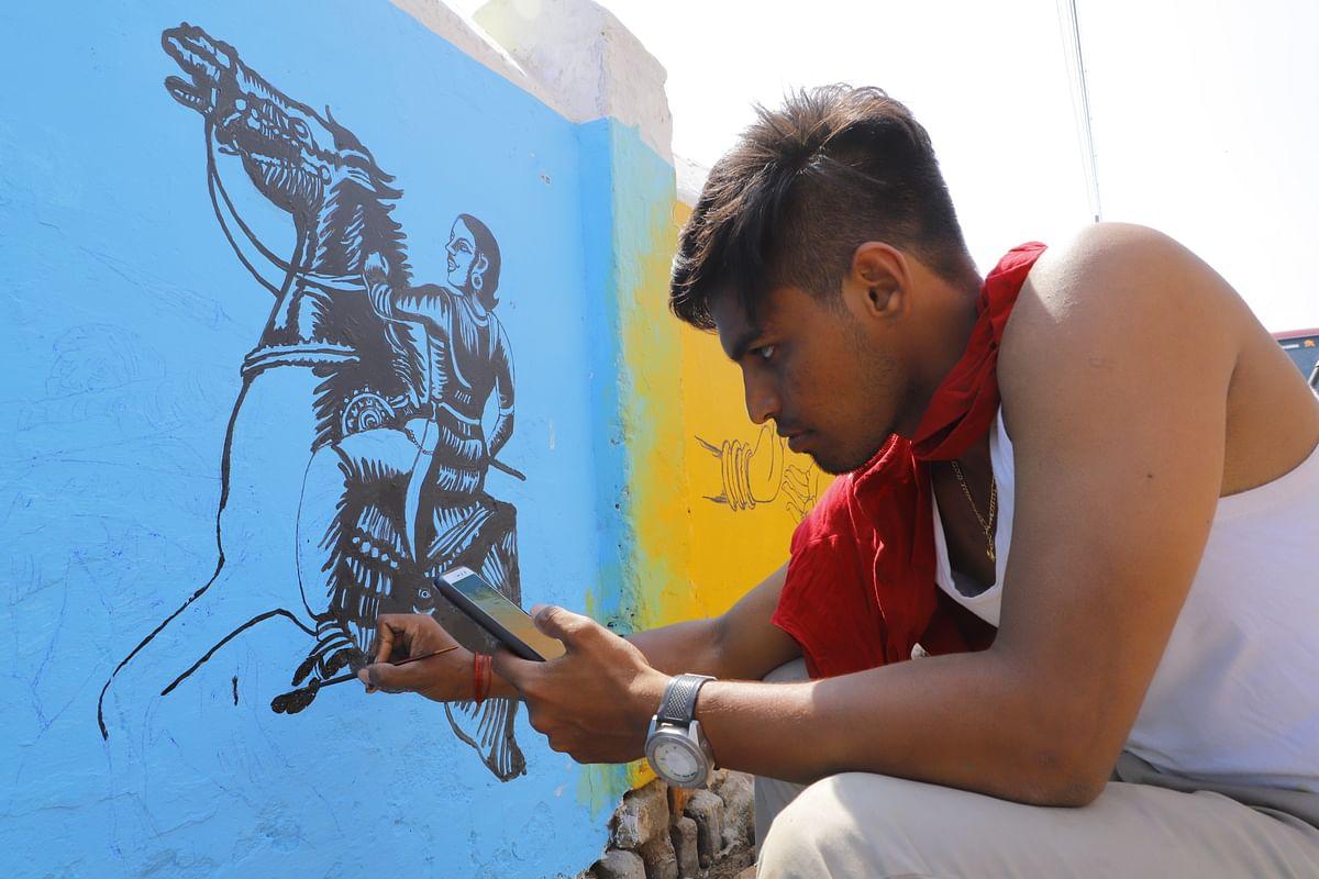 கும்பகோணம் ஓவியக்கலூரி மாணவர்கள்