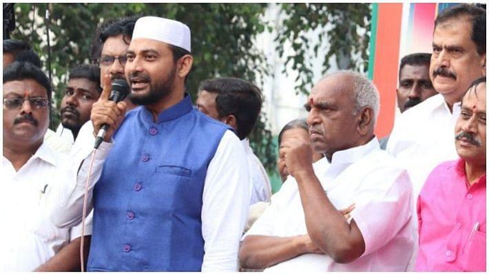 பி.ஜே.பி தலைவர்களுடன் இப்ராஹிம்