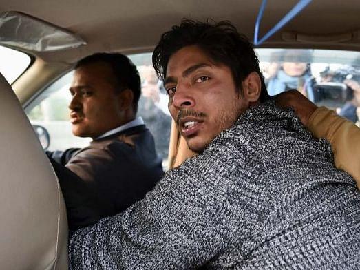 `அவர் ஆம் ஆத்மியில் இல்லை, மோடி ஆதரவாளர்!' - ஷஹீன் பாக்கில் துப்பாக்கிச் சூடு நடத்தியவரின் தந்தை