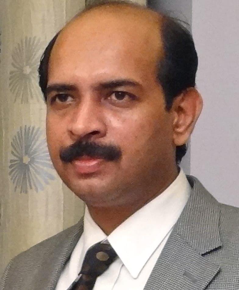 டாக்டர் சத்தியநாராயணன்