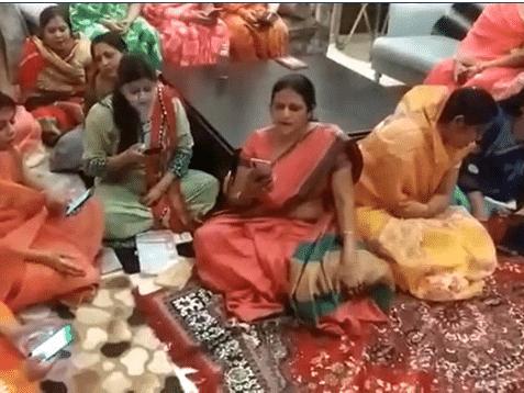 `கொரோனாவே ஓடிப் போ... ஓடிப் போ!' - வைரலாகும் கொரோனா எதிர்ப்புப் பாடல் #Viral