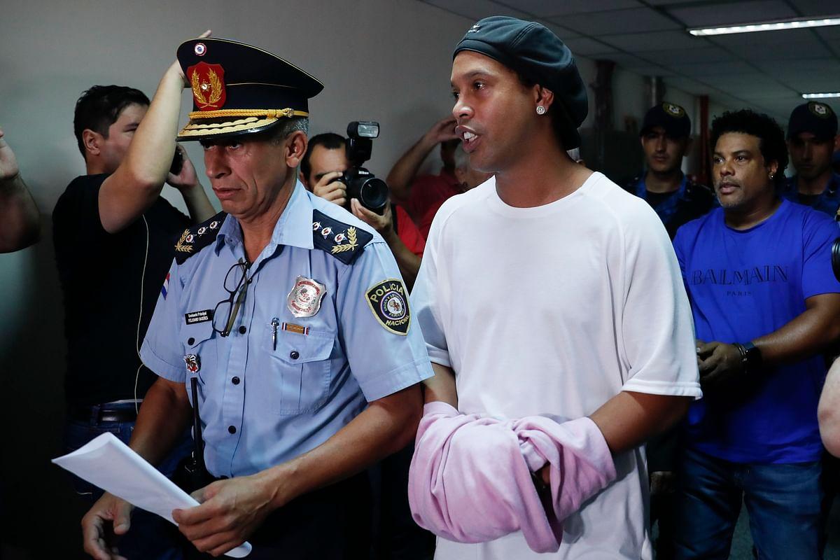 Ronaldinho Detained