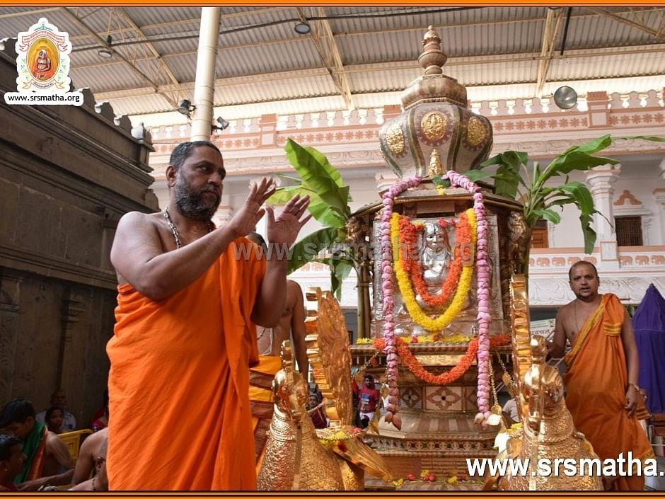 ஸ்ரீராகவேந்திர சுவாமிகளின் 425 வது அவதார மஹோத்சவம்... மந்திராலயத்தில் கோலாகலம்