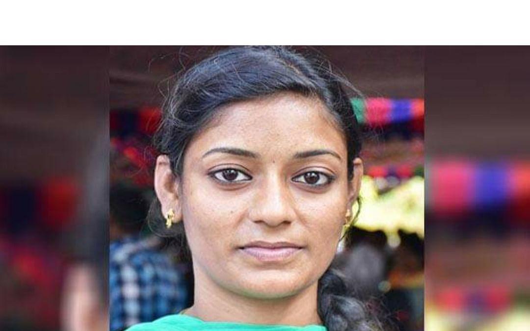 கோவை மாநகராட்சி துப்புரவுப் பணியில் எம்.எஸ்ஸி மாணவி..!
