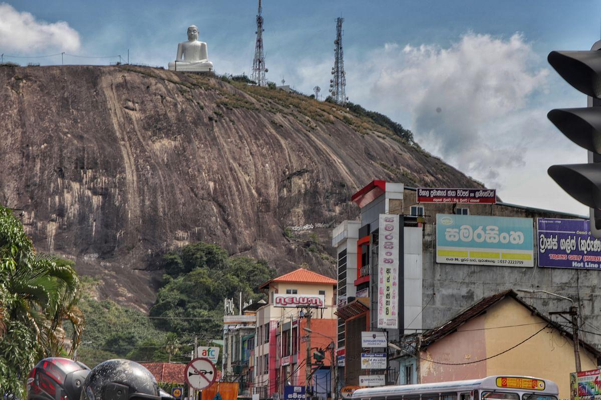 கொழும்பு தொடங்கி திருகோணமலை வரை... 3 நாள்கள், 730 கி.மீ... குட்டி மொப்படில், பெரிய பயணம்! #Travel