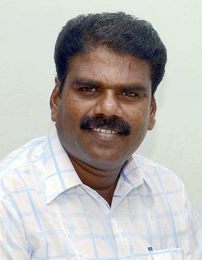 நிருபர் கார்த்தி