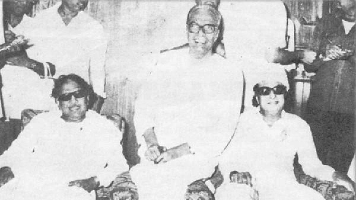 கருணாநிதி - பிஜு பட்நாயக் - எம்.ஜி.ஆர்