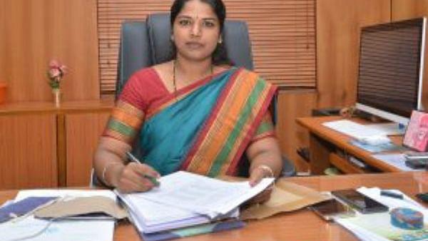 மாவட்ட ஆட்சியர் ஷில்பா பிரபாகர்சதீஷ்
