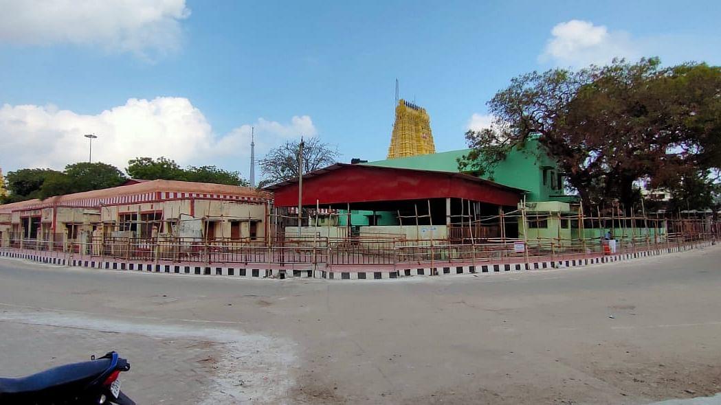 வெறிச்சோடிய ராமேஸ்வரம் கோயில் வீதி