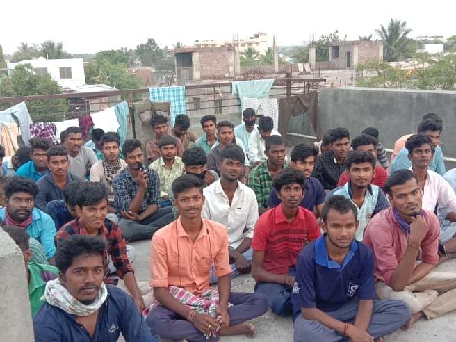 கொரோனாவைவிட உள்ளூர்காரர்களால்தான் பயமே..! -மகாராஷ்டிராவில் தவிக்கும் 300 தமிழக இளைஞர்கள்