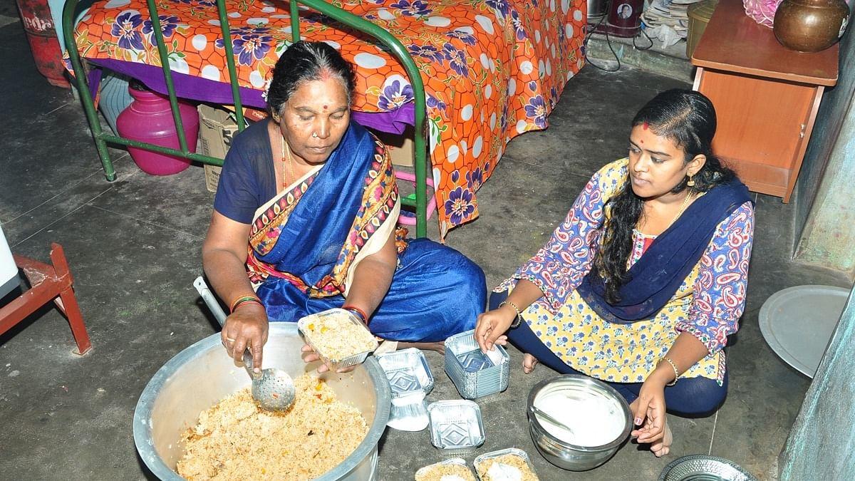 பிரேம் குமார் குடும்பத்தினர்