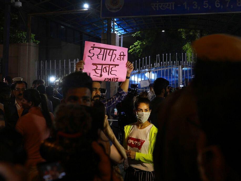 `அதிகாலை 3.30 மணி வரை நீடித்த வாதங்கள்!' - நிர்பயா வழக்கில் நள்ளிரவில் நடந்தது என்ன?