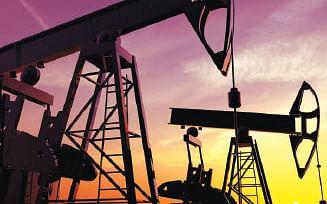 OPEC நாடுகள் Vs ரஷ்யா-கச்சா எண்ணெய் விலை படு வீழ்ச்சிக்கு என்னதான்காரணம்? #VikatanDetailedStory