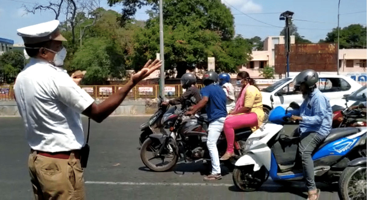 போலீஸ் எஸ்.எஸ்.ஐ ரஷீத்