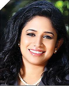 ஷைனி சுரேந்திரன்