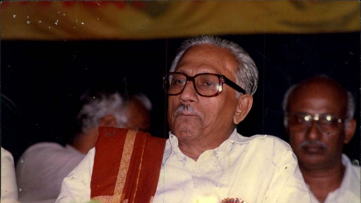 பேராசிரியர் க.அன்பழகன்