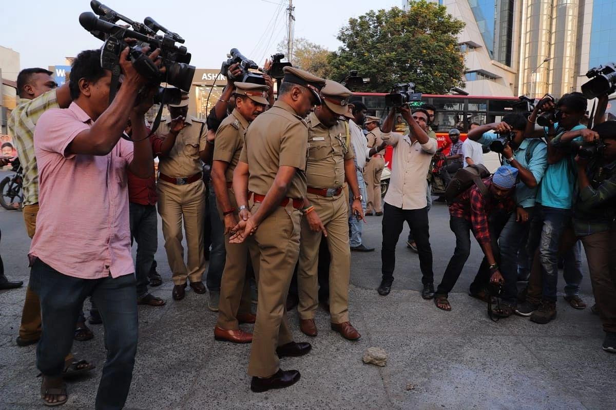 'ரவுடி காக்கா பாலாஜிக்கு ஸ்கெட்ச்; துப்பாக்கியாலும் சுட்டனர்'- சம்பவத்தை விவரிக்கும் வழக்கறிஞர்
