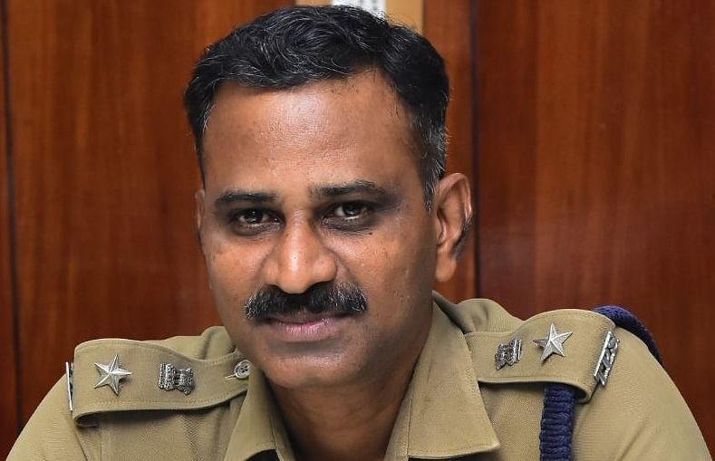 விழுப்புரம் எஸ்.பி ஜெயக்குமார்