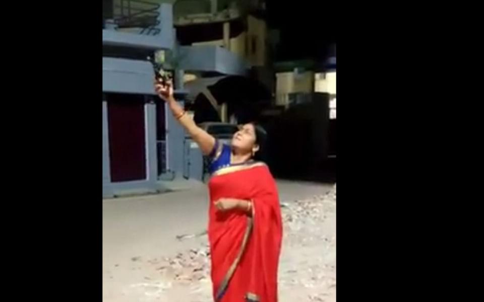 `தீபாவளி என நினைத்து சுட்டுவிட்டேன்!'- உ.பி போலீஸுக்கு அதிர்ச்சி கொடுத்த பா.ஜ.க மகளிரணித் தலைவி