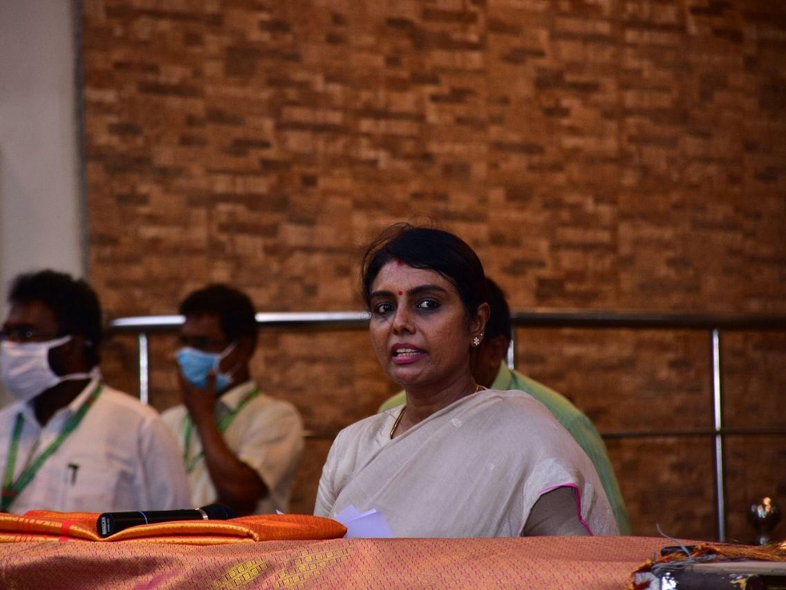 `மாறி வரும் பரவல் தன்மை; உருமாற்றம் பெற்றதா கொரோனா...?' -பீலா ராஜேஷ் விளக்கம்