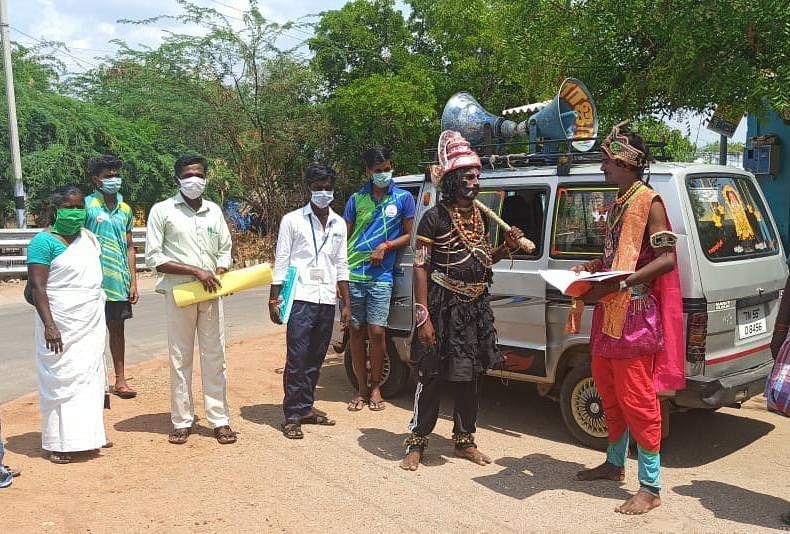 மாயக்கண்ணன், விஜயகாந்த் நூதனப் பிரசாரம்