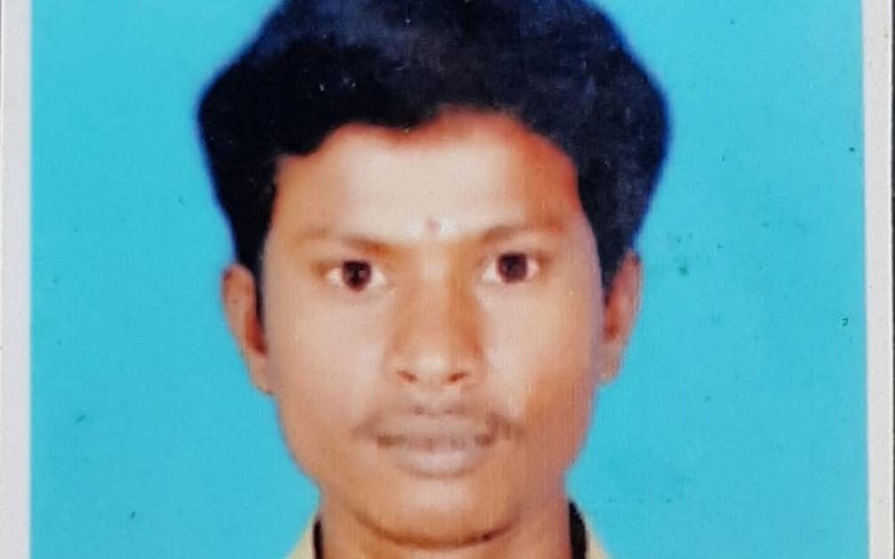 மாடியில் செல்போன் கேம் விளையாடிய நண்பர்கள் - போலீஸூக்கு பயந்து தப்பி ஓடியபோது சோகம்! #Lockdown