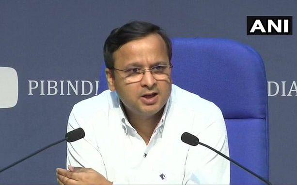 `கொரோனாவால் ஏற்பட்ட மரணங்களில் 63 சதவிகிதத்தினர் 60 வயதுக்கு மேற்பட்டவர்கள்!' - மத்திய அரசு