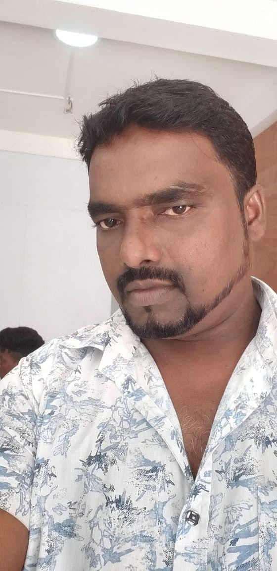 புஷ்பகுமார் சமூக ஆர்வலர்