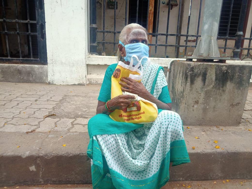 85 வயது மூதாட்டி தையல் நாயகி