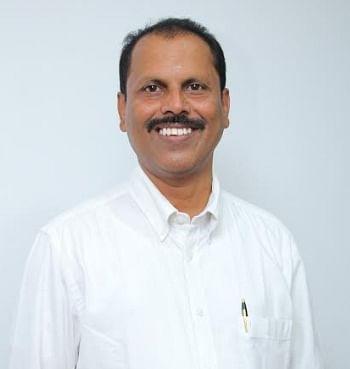 நிதி ஆலோசகர் ஸ்ரீதரன்