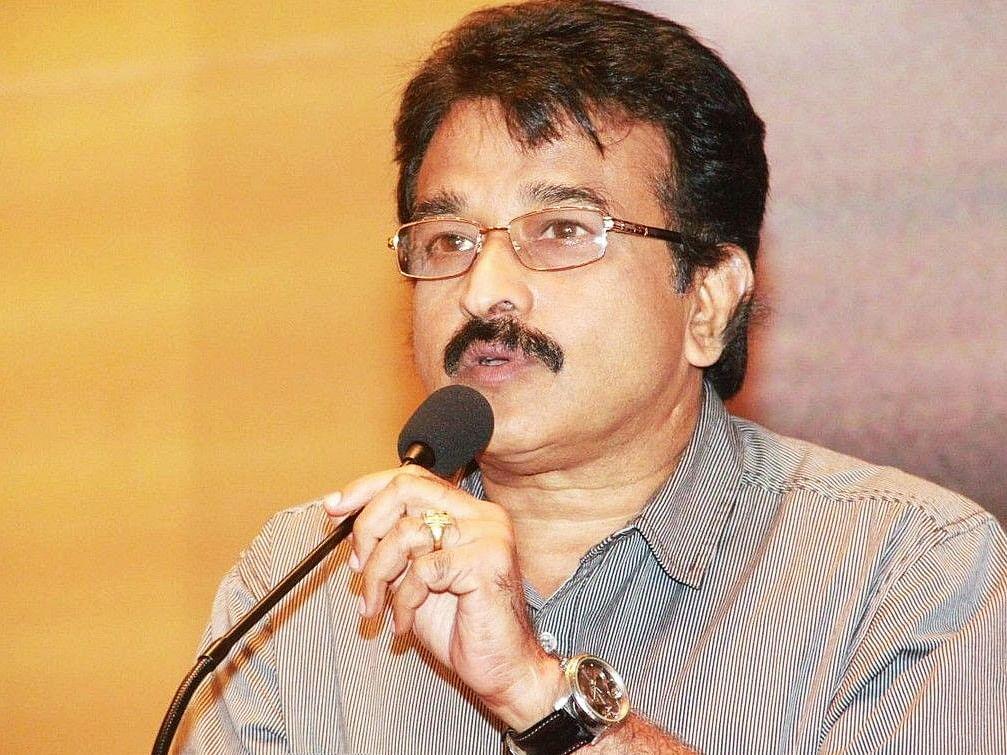 ``விஷாலுக்கு மட்டுமே 12 கோடி இல்லை... பின்னால் ஒருவர் இருக்கிறார்!'' - கேயார்