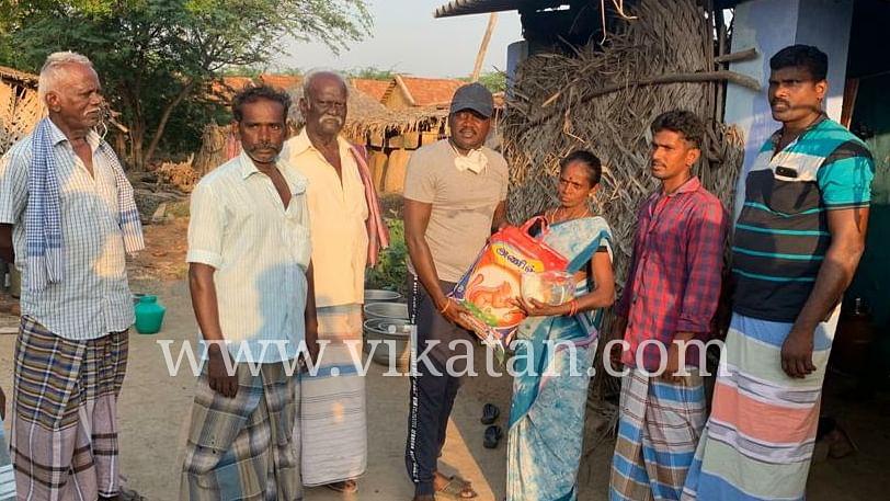 நிவாரணத் தொகுப்பு வழங்கிய மாரி செல்வராஜ்