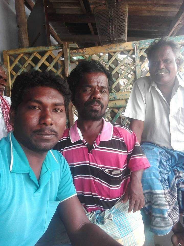 அன்னக்கொடி டீக்கடை வாடிக்கையாளர்கள்